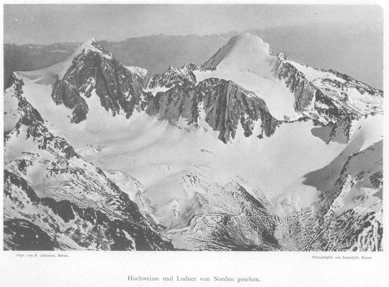 La cima Bianca Grande a sx e la cima Fiammante a dx viste da nord